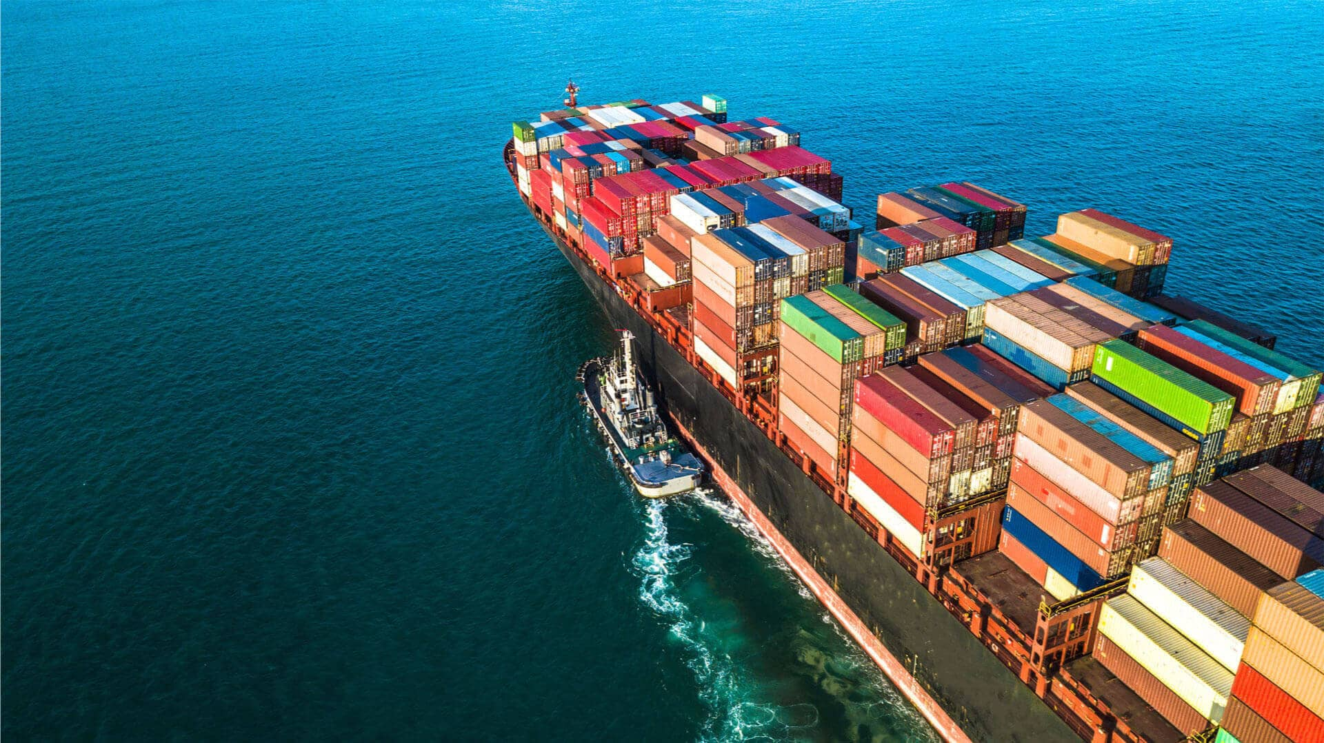 moving cargo through ocean or sea freight